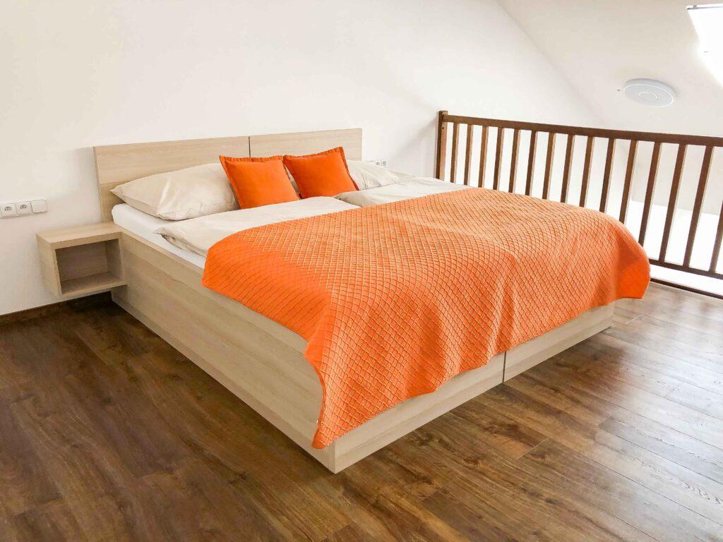 Apartman Slavia Holešov - manželská postel